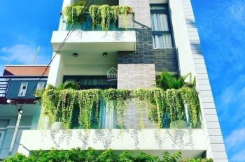 Bán nhà mặt phố ngay chung cư 4S Linh Đông Thủ Đức, LH: Xuân 0906701023