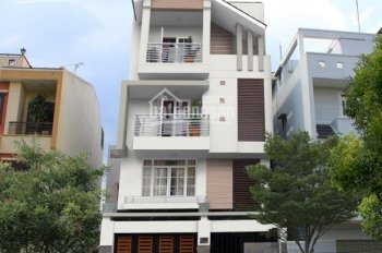 Gia đình cần Bán nhà mặt tiền Lê Lai, p. Bến Thành, Quận 1, DT 4x16m, nhà 6 tầng, LH 0938767186