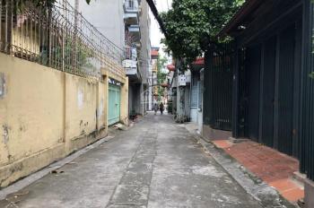 Cần bán lô đất 58m tại Thôn Cam, Cổ Bi, Gia Lâm, đường ô tô, xung quanh dân trí cao