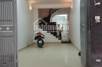 Cho thuê nhà riêng ngõ 167 Tây Sơn, diện tích 65m2 x 4 tầng, ngõ ô tô rộng, giá thuê 16 tr/tháng