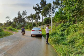 Cần bán 01 trong 02 lô đất kề sát nhau mặt tiền đường liên xã ĐạM'ri - Hà Lâm (Đạ Huoai - Lâm Đồng)