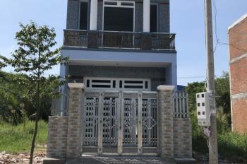 Nhà 1T, 1L Hương Lộ 11 đối diện UB xã Hưng Long, 80m2 mới xây bán với giá mềm 1.5ty. LH: 0985519866