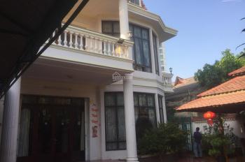 Villa mặt tiền đường Nguyễn Thị Minh Khai, Quận 1. Diện tích: 15x18m, trệt, 2 lầu giá 150 tr/th