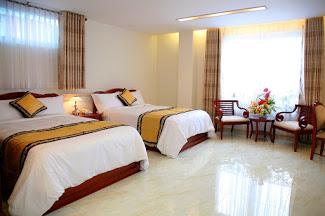 Cho thuê nhà mt Mai Lão Bạng, P13, Q.Tân Bình. Cho thuê lạii 105tr, gồm 31 phòng.