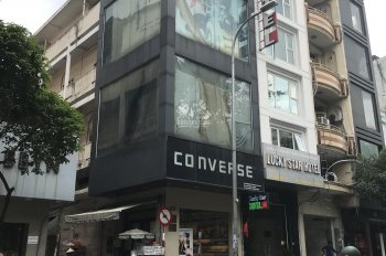 Cho thuê nhà hàng góc 2 MT gần Mạc Đĩnh Chi Q1, 8x25m 3 tầng, 140 tr/th. LH Minh 0936781848