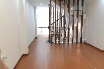 Chính chủ bán nhà Đại Từ, sàn gỗ, 4 phòng ngủ, phòng khách và bếp riêng