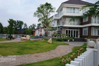 Bán biệt thự sân vườn 617.5m2 cách sân bay 15 phút, đường Phạm Văn Đồng lớn. LH 090.373.4467