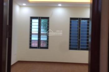 Bán nhà ngõ Kim Đồng, quận Hoàng Mai, sổ đỏ 31m2 x 5 tầng mới, giá 2.6 tỷ. LH 0968125598