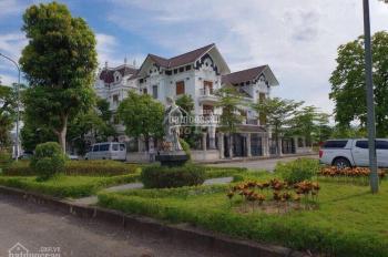 Bán biệt thự kiểu Pháp không gian khoáng đạt nằm sát sân golf, hồ Đồng Mô. LH: 0982416892