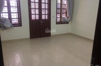Cho thuê nhà ngõ 3 Thái Hà, DT 60m2 x 4 tầng, ngõ ô tô rộng rãi có chỗ để, giá 15 tr/tháng