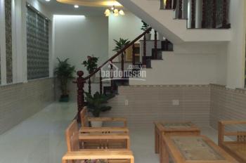 Cho thuê nhà mặt ngõ tại Kim Mã, DT: 90m2 x 3T, MT: 7m. Giá: 35tr/th, LH: 0339529298