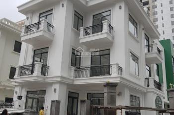 Cho thuê biệt thự Thanh Xuân đẹp tuyệt vời. DT 200m. mặt tiền 20m. lô góc. Giá 6000$/tháng