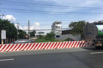 Mặt tiền Quốc Lộ 13 cổng KDL Đại Nam 19.5 x 56m