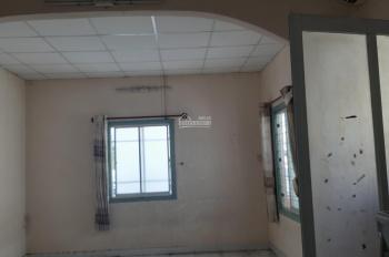 Cho thuê phòng 35m2 hẻm XH Nguyễn Trãi, Quận 1