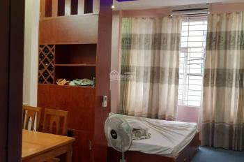 Cho thuê tòa nhà 13 căn hộ cách biển Trần Phú 100m, ngay trung tâm TP. Giá thuê 55tr/ tháng
