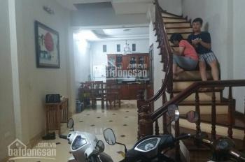 Gia đình bán gấp căn nhà ngõ phố Lê Hồng Phong, Hà Cầu, Hà Đông. DT 45m2, x3 tầng, mt 5m, 2,63 tỷ