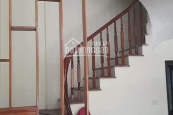Bán nhà phân lô phố Tam Trinh, 2,95 tỷ, 4T x 30m2 ô tô qua nhà, KD tốt. LH anh Thắng 0962349249