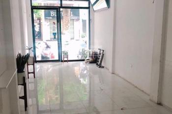 Cho thuê cửa hàng mặt phố Nguyễn Công Hoan, DT 40m2, MT 4m, giá 15tr/th. LH Hiếu 0974739378
