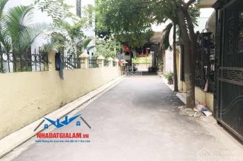 Bán đất Trâu Quỳ, Gia Lâm. Vị trí nằm trong ngõ 5m đường bàn cờ DT 35m2 ( Lô góc 2 mặt đường)