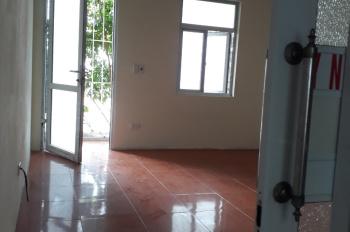 Cho thuê nhà tại Tư Đình, Long Biên gần Aeon, DTSD 50m2 (25m2 x 2T), 3,5tr/th. LH: 0977270863