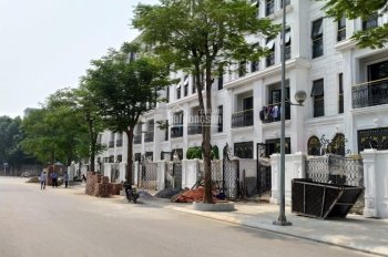 Cho thuê Liền Kề A10 Nguyễn Chánh (3 Căn) DT 94M*4,5 tầng. Mặt tiền 6m. thang máy. Giá từ 45 triệu