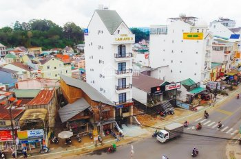Bán khách sạn 17 phòng vừa mới xây kẹt tiền nên bán gấp ngay ngã 4 đường lớn Bùi Thị Xuân