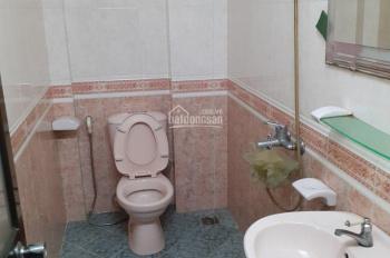 Cho thuê nhà đường CMT8, khu vực sầm uất. Nhà mới đẹp, đầy đủ nội thất, 45tr/th, LH: 0909028428
