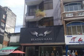 Cho thuê nhà đường Nguyễn Hồng Đào, diện tích 6,5x20m, nhà 3 lầu mới xây, cầu thang cuối nhà, ĐL