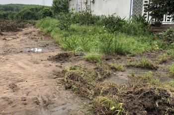 Cần bán lô đất thổ cư mặt tiền đường DT746, Uyên Hưng, Tân Uyên, gần KCN tiện xây trọ, dân cư đông
