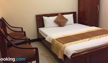 Bán khách sạn 2 mặt tiền đường Ngay Hồ Xuân Hương Đà Lạt