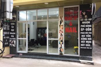 Sang nhượng cửa hàng làm tóc, 42 ngõ 3 Nguyễn Văn Huyên, diện tích 22 m2 Có gác xép mặt tiền 5m