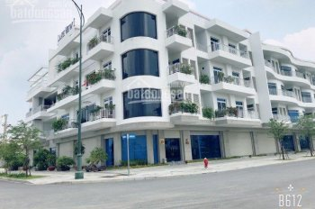 Bán nhà phố mặt tiền Nguyễn Cơ Thạch, Lakeview 1, 7mx20m, hầm + 4 lầu, nhà hoàn thiện