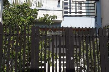 Bán nhà gần chợ Lạc Quang, P. Tân Thới Nhất- Q12, đúc 1 trệt 1 lầu. DT 4x20m, hẻm thông xe hơi
