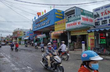 Bán nhà mặt phố khu sầm uất, đông dân, sánh ngang với trung tâm quận Tân Phú (có thể cho thuê nhà).