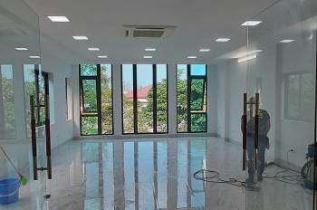 Cho thuê nhà 5 tầng làm văn phòng tại 171 đường Trần Cung. Liên hệ: Mr Hùng 0912640264