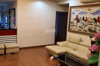 Bán căn hộ chung cư tòa Star Tower Dương Đình Nghệ. DT: 144,8m2, gồm 3 phòng ngủ, 3 wc