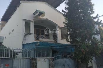 Bán nhà cũ tiện xây mới đường Số 49, Tân Quy, quận 7. DT 7x20m giá 15,8 tỷ, LH: 0908 894 968 Thuận