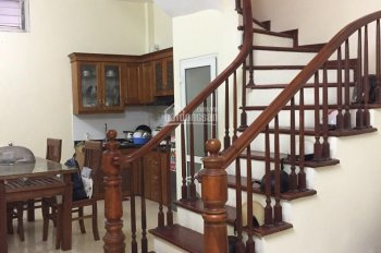 Cần bán gấp nhà 4,5 tầng tại ngõ 381, Tổ 36 phường Bạch Mai nhà đẹp, ngõ rộng, MT 4 m, NT xịn