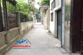 Bán nhà 4,5 tầng tổ 5 Việt Hưng, Long Biên. DT 55m2, đường vào 2,5m, hướng TTM