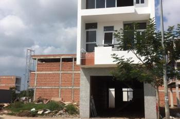 Cho thuê nhà 1 trệt 2 lầu 4 phòng ngủ đường 20m giá 12-15 triệu/tháng thương lượng 0902883177