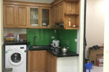 Chính chủ cần bán căn hộ tập thể 2 PN, 42 Trần Cung--Liên hệ: 0338013111.