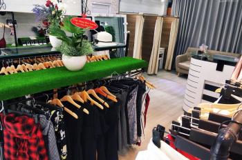 Sang nhượng shop thời trang đang hoạt động CMT8, Q10 135tr. Thuê 10tr/th