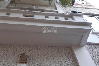 Cho thuê nhà 5 tầng phường Xuân La, Tây Hồ, DT 45m2, giá 12 triệu/1 tháng. LH 0972264985