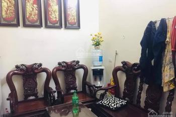 Gia đình chuyển qua Minh Khai nên muốn bán nhà ở Giang Biên, quận Long Biên, chính chủ