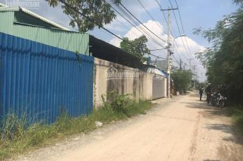 Cần bán gấp đất có nhà xưởng có sẵn sổ hồng riêng, chính chủ. DT: 747m2, thổ cư. LH: 0813250805