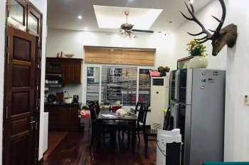 Bán nhà đẹp ở ngay full nội thất phố Yên Hòa, Cầu Giấy, 40m2 x 5T. Giá 3 tỷ 4