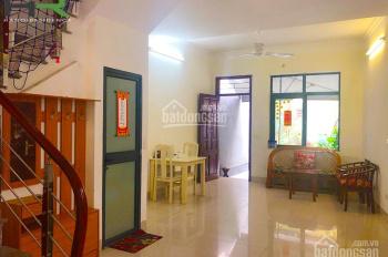 Cho thuê nhà mới đẹp, sân vườn Ba Đình, 3 phòng ngủ đủ đồ giá rẻ