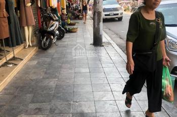 Bán nhà mặt phố cổ Hàng Đường giá 16 tỷ, 20m2 x 4T, KD sầm uất