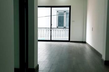 Bán nhà 5 tầng phường Bồ Đề, Long Biên DT 45m2, MT 4m cách đê Lâm Du 15m. LH: 0974.529.236
