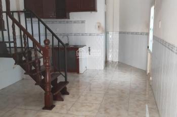 Cho thuê nhà 1 sẹc HXH đường Lạc Long Quân, P. 1, Q. 11, DT 3.7x10m, trệt lầu 1PN , giá 9tr/th